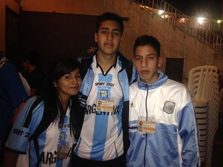 Jovens fazem parte de uma das três delegações da Argentina