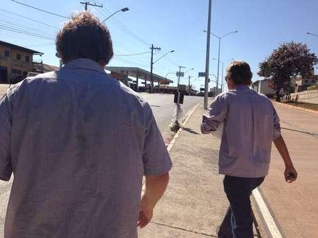 Na manhã desta sexta-feira, dois funcionários da empresa estiveram no local do desastre, mas não quiseram falar com a imprensa