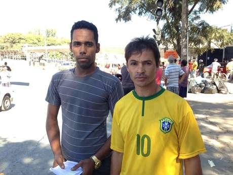 Arlison Roger, ajudante de motorista e autor do vídeo, Flavio Proti, motorista que vinha atrás do micro-ônibus
