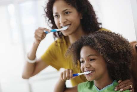 <p>Es fácil guiar a su familia hacia una buena salud bucal</p>