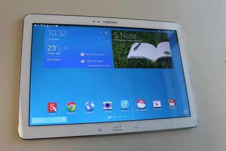 <p>Samsung Galaxy Note Pro tem tela de 12.2 polegadas</p>