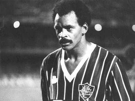 <p>Assis foi tricampeão carioca (1983, 84 e 85) e faturou o título brasileiro de 1984 com a camisa do Fluminense</p>