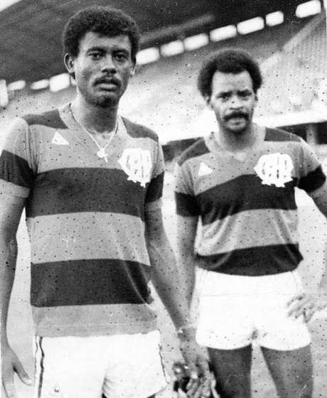 Washington (esq.) e Assis (dir.) foram campeões estaduais pelo Atlético-PR em 1982