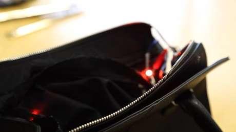 A bolsa precisa de informações dadas pela usuária para funcionar