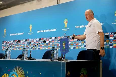 <p>Felipão assegura que o elenco da Seleção Brasileira está focado apenas no jogo contra Alemanha</p>
