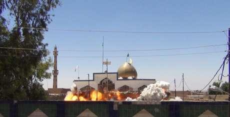 <p>Mesquistas e santuários foram incendiados e demolidos pelo grupo jihadista</p>