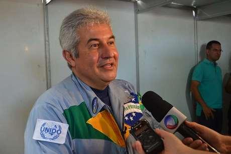 <p>Marcos Pontes éo primeiro astronauta brasileiro</p>