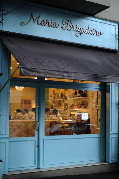 A loja com cara de ateliê foi aberta ao público em 2009. Antes disso, a doceira Juliana Motter só aceitava encomendas