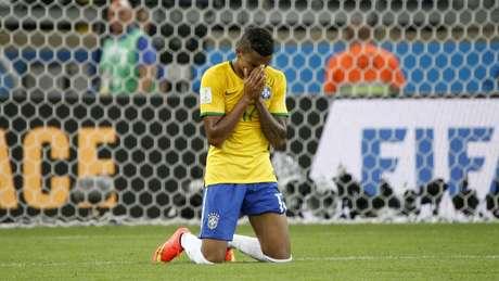 <p>Luiz Gustavo sofreu bastante com derrota para Alemanha</p>