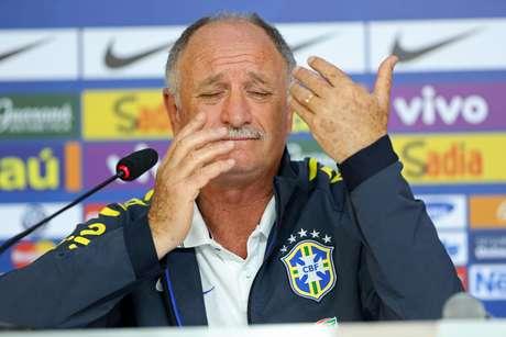 <p>Luiz Felipe Scolari discutiu com Van Gaal na primeira fase, mas rivalidade com Holanda esfriou</p>