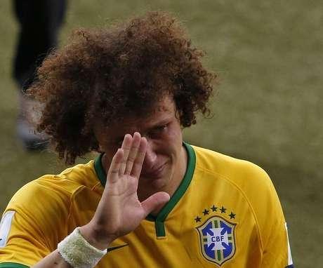 <p>David Luiz chora após derrota para a Alemanha em Belo Horizonte</p>
