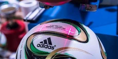 Brazuca da final já tem nome das seleções da Alemanha e da Argentina gravados