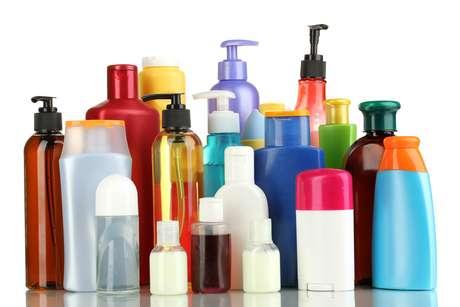 Produtos aplicados após a lavagem ajudam a disciplinar, proteger e retirar volume
