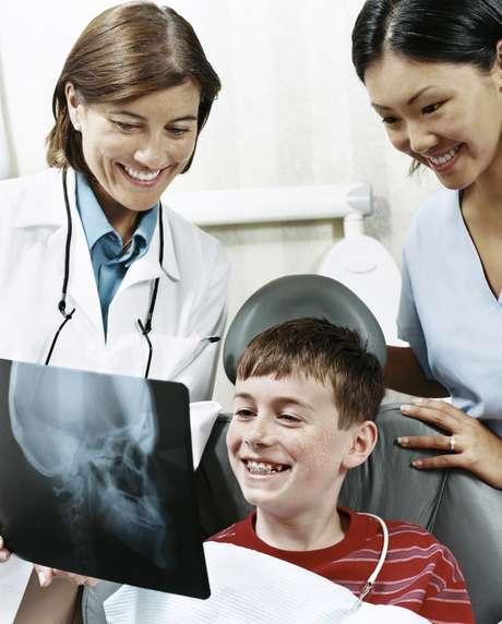 <p>Es importante comprender las implicaciones de la discapacidad y, enseguida, discutirla con el dentista</p>