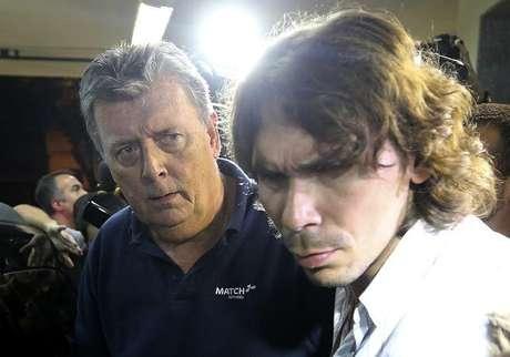 <p>Ray Whelan (esquerda), da Match Services, se entregou à polícia nesta segunda-feira</p>