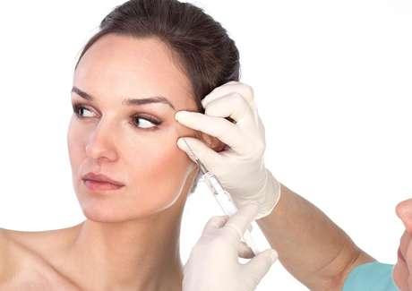 <p>Feito com ácido hialurônico, preenchimento Facial 3D é capaz de atenuar rugas e linhas de expressão sem causar um corte sequer na pele</p>