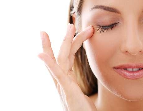 Pontos como lábios, nariz e olhos costumam demonstrar mais sinais de envelhecimento a partir dos 30 anos