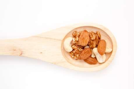 <p>Nutrientes das castanhas ajudam a reduzir colesterol</p>