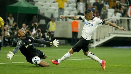 <p>Wellington Silva errou e deixouGuerrerosozinho na área para fazer o gol</p>
