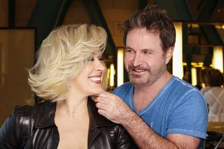 O hair stylist Wanderley Nunes foi o responsável pela transformação de Claudia Raia