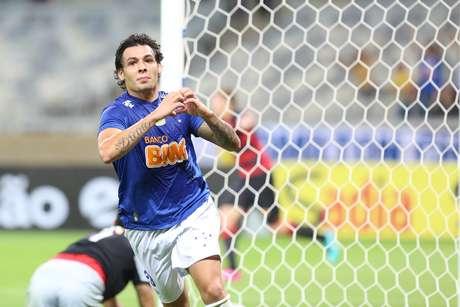 <p>Artilheiro do Campeonato Brasileiro, Ricardo Goulart é outro nome que desponta bem para a convocação</p>