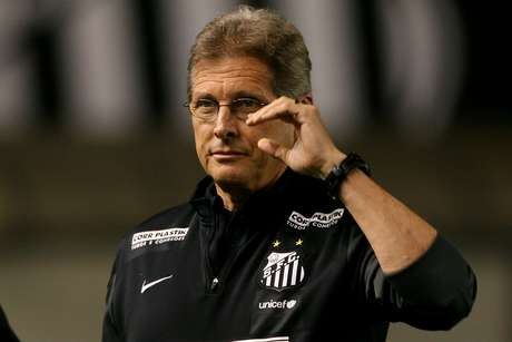 <p>Oswaldo poupou todos os titulares na derrota em Londrina</p>