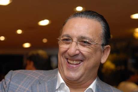 <p>Galvão Bueno decide prolongar tempo como narrador e fica até Copa da Rússia, em 2018</p>