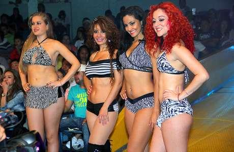 chicas peruanas aficionado libre