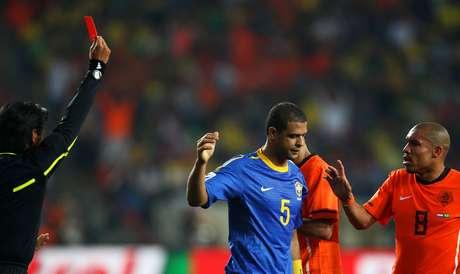 <p>Felipe Melo não voltou à Seleção desde a expulsão em 2010</p>