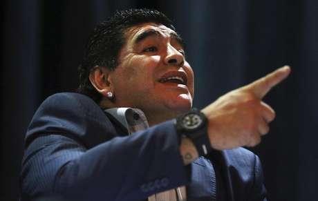 Maradona ficou feliz com o estouro do caso de corrupção na Fifa