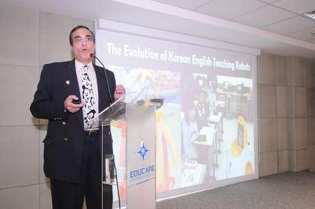 Professor da Singularity University, José Cordeiro falou sobre como a tecnologia mudará a relação com os processos de aprendizagem