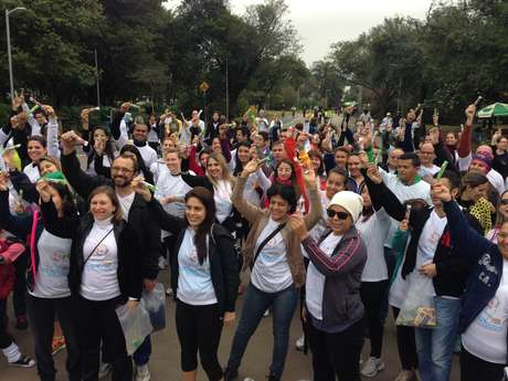 """<p>Nem a baixa temperatura diminuiu o ânimo dos participantes da """"Caminhada dos Amigos do Pedrinho""""</p>"""