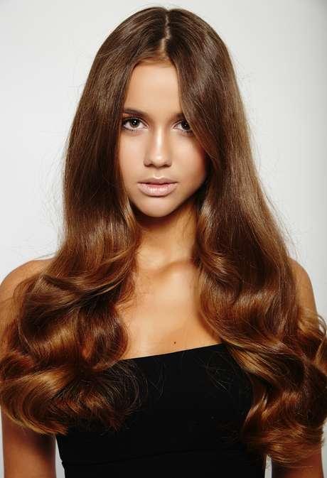 Linha Oil Radiante controla o frizz, restaura a maciez e proporciona acabamento sedoso ao cabelo