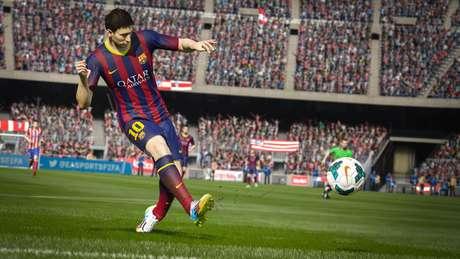 <p>Após vencer a Bola de Ouro na Copa do Mundo, Messi foi confirmado como o jogador da capa de Fifa 15</p>