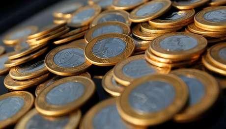 <p>Para 2014, o Banco Central prev&ecirc; que o saldo negativo nas transa&ccedil;&otilde;es correntes fique em US$ 80 bilh&otilde;es</p>