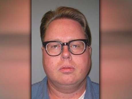 <p>John Henry Skillern, de 41 anos, j&aacute; tinha abusado sexualmente um garoto de 8 anos em 1994</p>