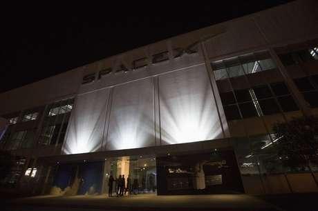 SpaceX foi fundada em 2002 e tem sua sede na Califórnia, na costa oeste dos Estados Unidos