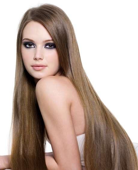 Intoxicação capilar dificulta a fixação dos fios e causa perda de cabelo