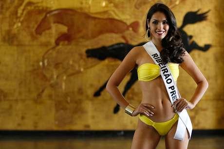 As 30 candidatas ao título de Miss São Paulo 2014 desfilaram de biquíni no Jockey Club de São Paulo