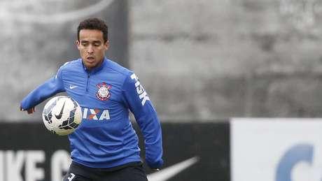 Jadson também volta ao Corinthians no clássico contra o Santos