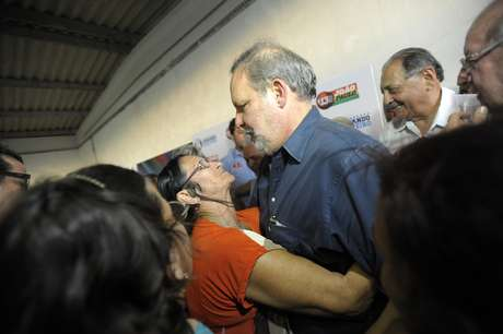 <p>A soma dos votos dos&nbsp;concorrentes de Armando Monteiro (PTB-PE)&nbsp;n&atilde;o ultrapassaria&nbsp;seus votos, diz Ibope</p>