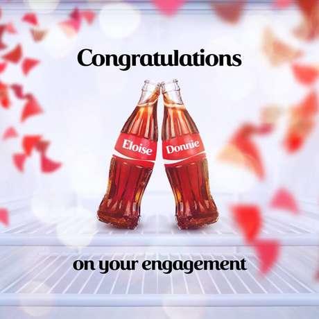 <p>A marca postou uma foto em homenagem ao novo casal</p>