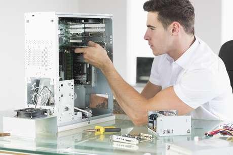 <p>Trocar o disco rígido tradicional por um SSD traz impacto positivo no desempenho da máquina</p>