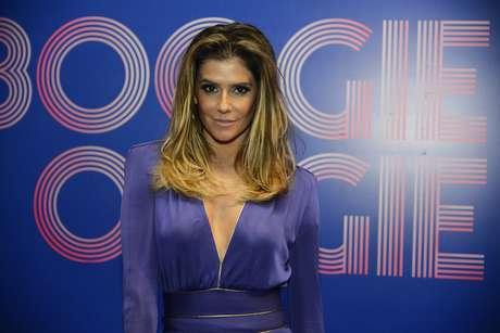 Deborah Secco passou por mais uma transformação nos cabelos nas mãos do cabeleireiro Marcos Proença