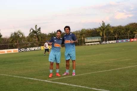 Everton Ribeiro e Ricardo Goulart foram chamados e elogiados pelo técnico Dunga