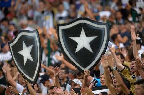 <p>Torcida do Botafogo (e dos outros times) tem outro motivo para torcer pelo acesso, hein?</p>