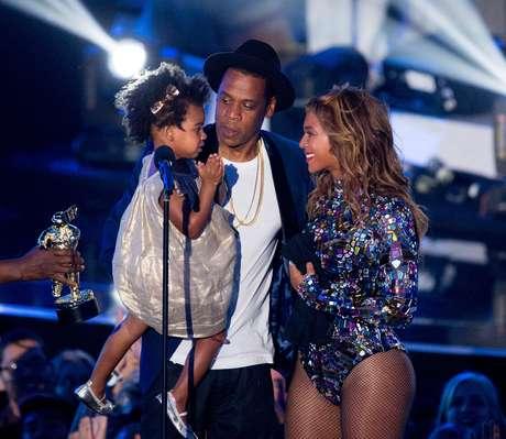 <p>Vestido usado por filha de Beyoncé custa o equivalente a R$ 800</p>