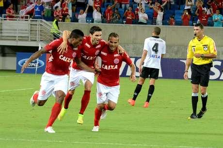 América-RN conquista ótima vitória sobre o Atlético-PR