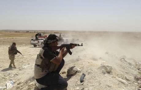 <p>Os curdos lan&ccedil;aram hoje uma ofensiva para recuperar a cidade de Zemar, na qual conseguiram liberar cinco aldeias</p>