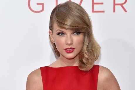 O sucesso da cantora pop vai além do top 10 musical: Taylor atua fortemente nas ações sociais